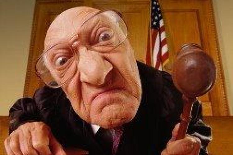 Monica Macovei : Fostii magistrati au pensii si de peste 5000 euro/luna