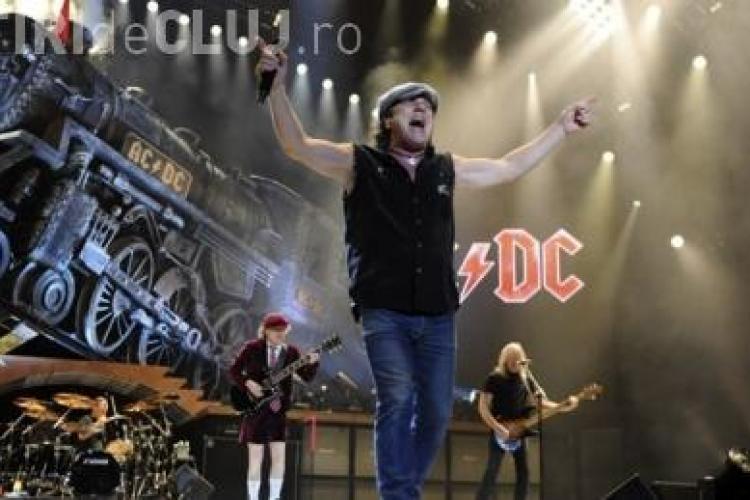 60.000 de oameni vor asista la show -ul legendei AC/DC, in Piata Consitutiei. Care este melodia voastra preferata?