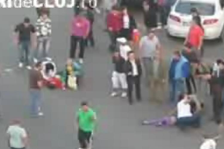 """VIDEO - Accidentul grav din fata Bibliotecii """"Octavian Goga"""", soldat cu ranirea grava a doua fetite a fost filmat de un clujean"""
