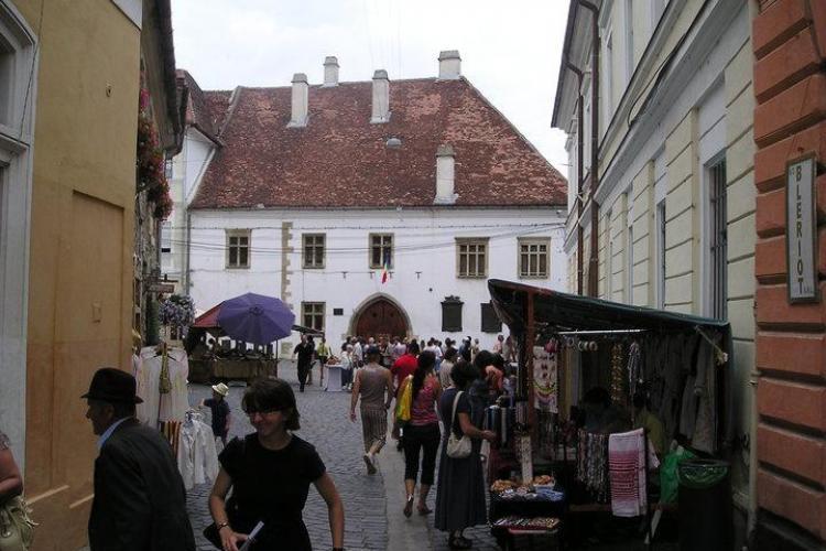 Gulas si vin unguresc, in perioada 6 - 8 mai, in fata la Casa Matei, cu ocazia Zilelor municipiului Pecs