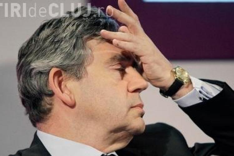 Premierul Gordon Brown si-a prezentat demisia