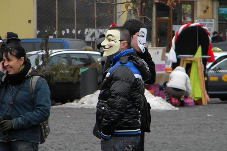 Protest anti ACTA in Piata Unirii cu numai 30 de participanti FOTO
