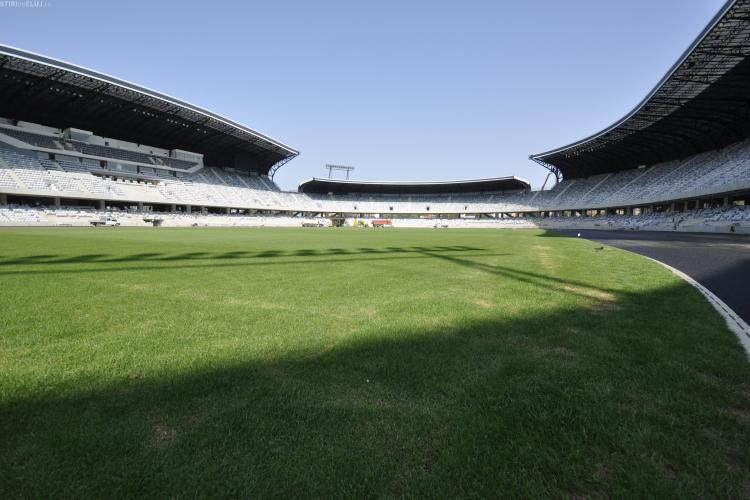 Gazonul de la Cluj Arena a fost acoperit cu o prelata si va fi functional la meciul cu Steaua