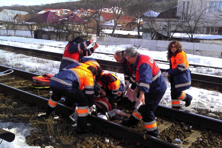 Femeie calcata de tren la Gherla. I-au fost amputate picioarele VIDEO IMAGINI SOCANTE
