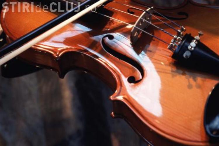 """Violonistul Francesco Ionascu, concert la Academia de Muzica """"Gheorghe Dima"""""""