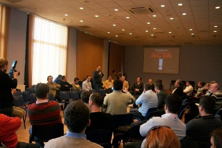 "ACTA dezbatuta la Cluj-Napoca! Darius Groza de la jeg.ro: ""Prostimea"" a iesit in strada"