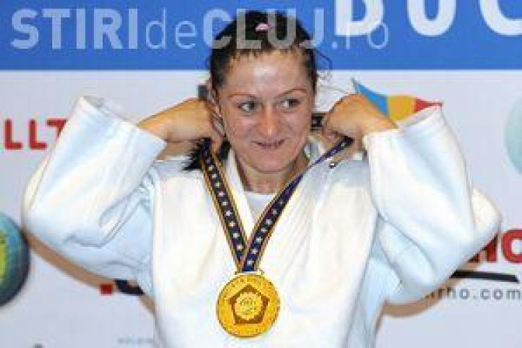 Campioana de judo Corina Caprioru, elev pentru o zi la Scoala de Politie Cluj
