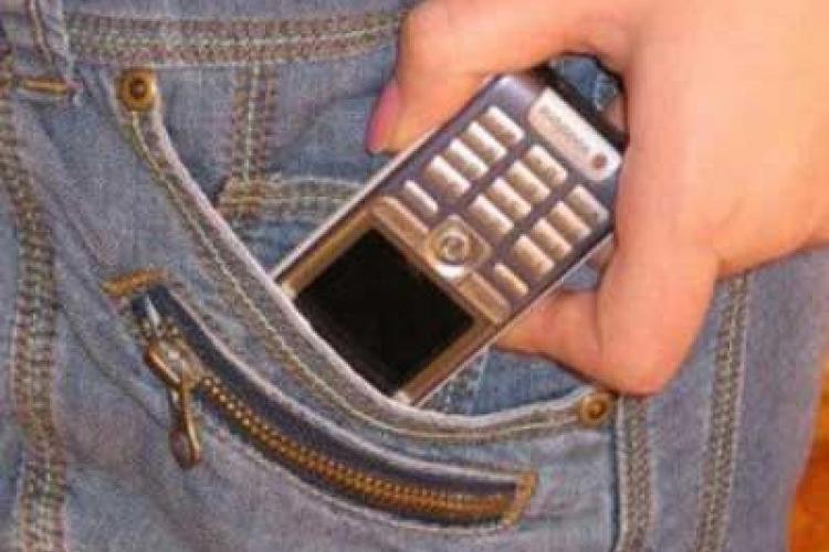 Cluj: O pacienta i-a furat telefonul unei colege de salon