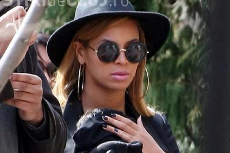 Beyonce fotografiata cu fetita in brate! Cum arata vedeta la 2 luni de la nastere