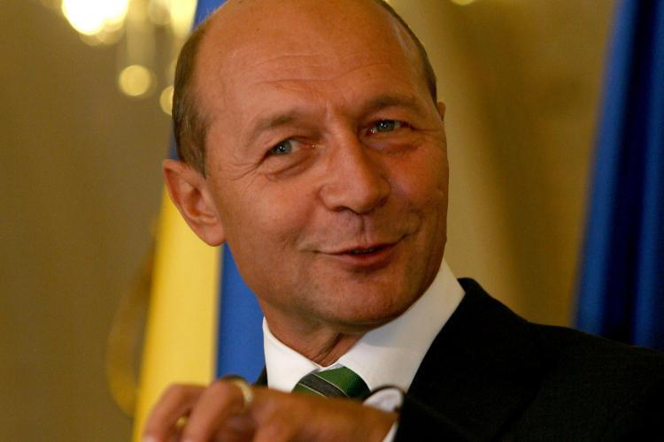 Basescu, in Parlament: Romania era langa Grecia, daca nu strangeam cureaua in 2010