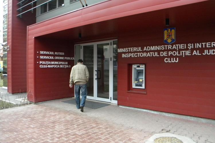 Politisti din Cluj - MITA la radare! Foloseau aparate vechi si luau bani de la soferi pe drumurile nationale VIDEO