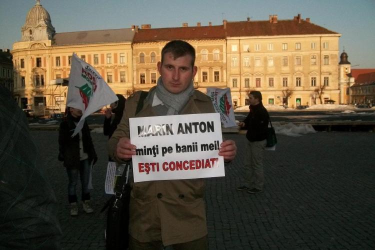 Activistii Rosia Montana au protestat in Piata Unirii! Ei cer demisia secretarului de stat Marin Anton