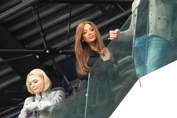 Bianca Dragusanu, in loja VIP de pe Cluj Arena, cu ochii pe Printul Cristea FOTO