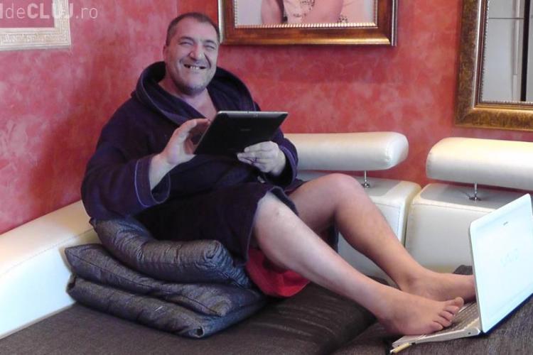 Nelson Mondialu si-a luat tableta! Dusmanilor le scrie cu degetele de la picioare FOTO