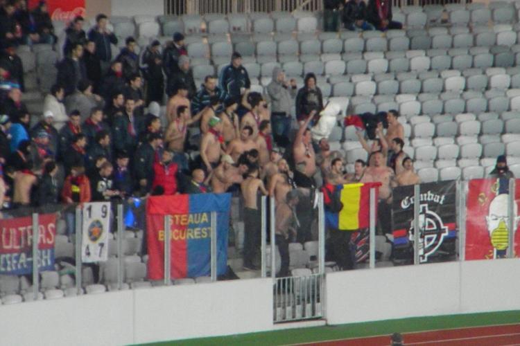 Suporterii Stelei sunt la bustul gol! Imagini INCREDIBILE de pe Cluj Arena FOTO