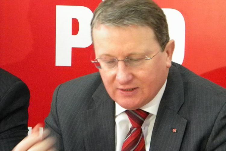 Lapusan: UMF Targu Mures separata pe criterii etnice. PDL se agata de putere