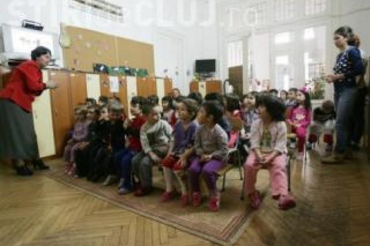 300 de cereri de flotant la Cluj in 14 zile! Parintii se muta in centru pentru a-si inscrie copiii la scoli bune VIDEO