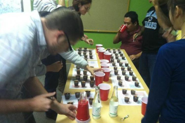De ce difera gustul COCA COLA! Test intre bautura indulcita cu zahar sau cu fructoza