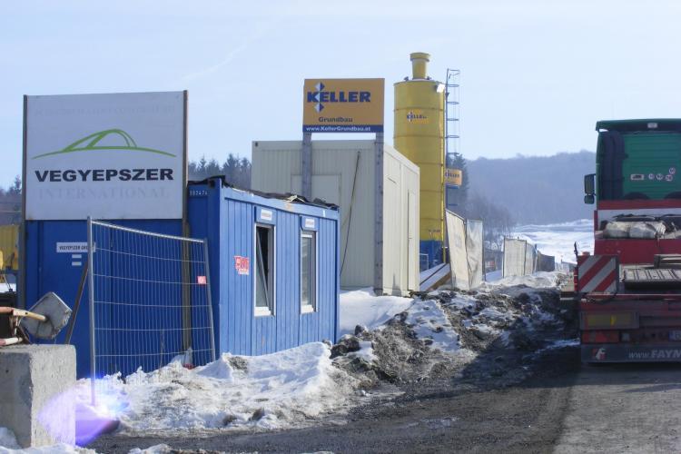 Firma maghiara care a lucrat pe centura Clujului are datorii de 25 de milioane de euro! Cine repara alunecarile de teren?