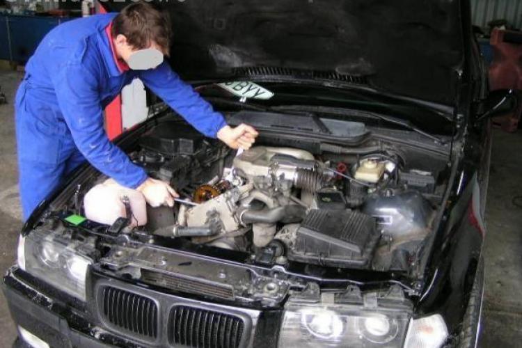 """Patronul unui service din Floresti, arestat pentru ca repara """"din pix"""" autoturisme implicate in accidente fictive"""