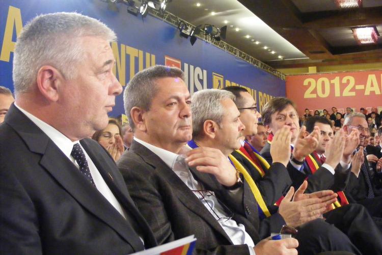 """Ioan Rus, negru de suparare la TVR Cluj! Invitat la jurnalul de la 20.00, liderul politic s-a plans ca intarzie """"directul"""""""