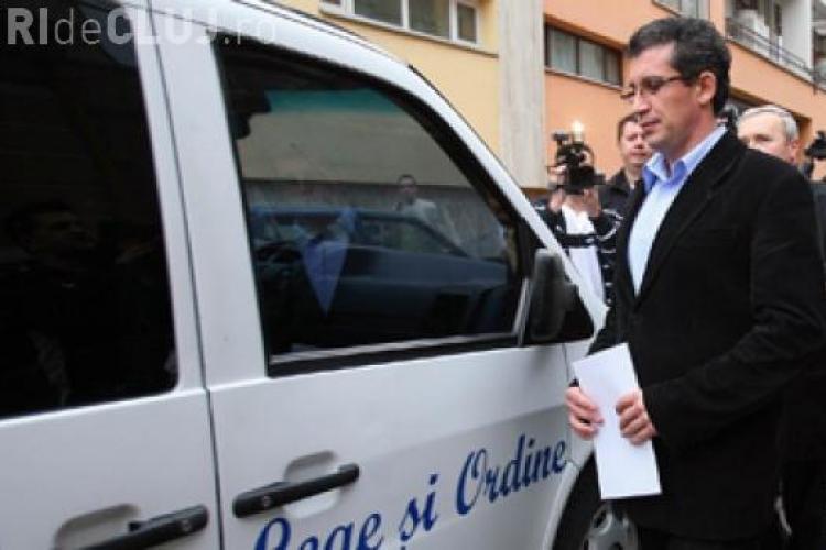 Deputatul penal Virgil Pop cerea spaga si invoca numele lui Marius Nicoara