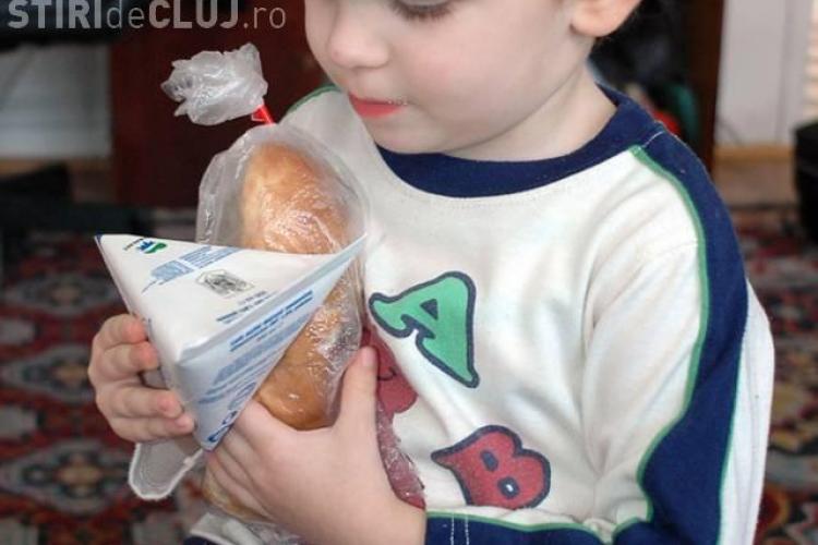 Cornurile distribuite elevilor din Cluj, mai usoare cu 20 de grame! Firma producatoare, amendata cu 20.000 de lei