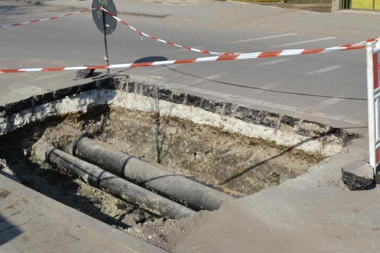 Strada Pitesti, asfaltata de curand, sparta de E-ON Gaz