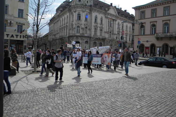 Mars impotriva avortului la Cluj-Napoca! Zilnic, in Romania, sunt avortati 490 de copii FOTO si VIDEO