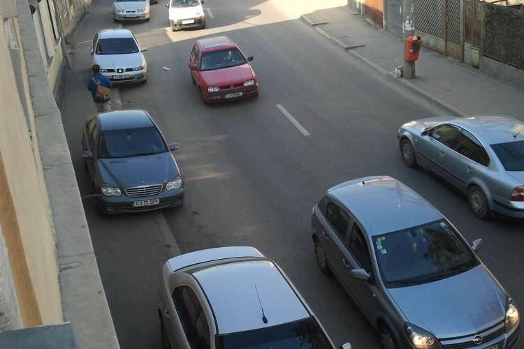Noul semafor de pe strada Paris blocheaza traficul! VEZI FOTO STIREA CITITORULUI