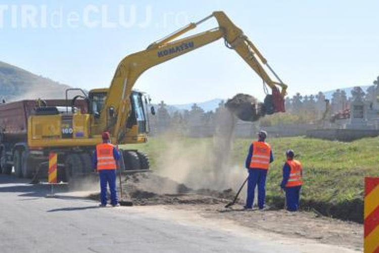 """Consiliul Judetean Cluj """"carpeste"""" drumurile judetene distruse in urma iernii"""