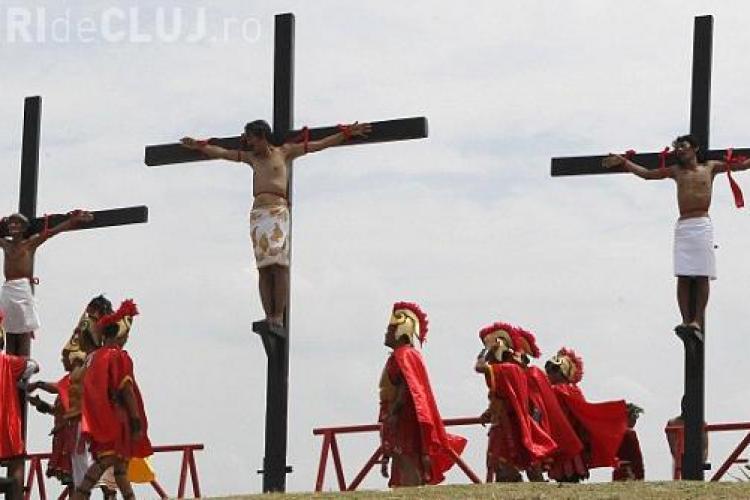 SOCANT! 17 filipinezi s-au crucificat pentru a retrai suferinta lui Iisus Hristos FOTO