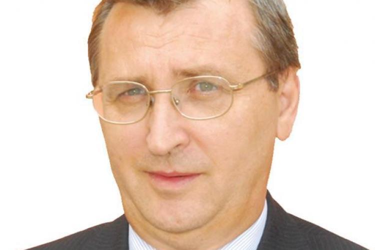 """Marga agita inca apele la UBB Cluj! Paun il da in judecata pe profesorul Michael Shafir pentru ca l-a facut """"pupincurist"""""""