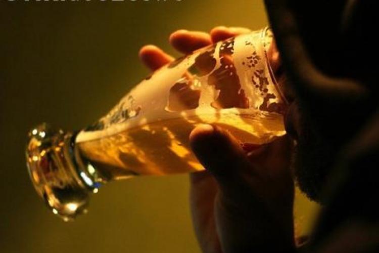 Alcoolul, benefic pentru barbatii care au suferit un atac de cord