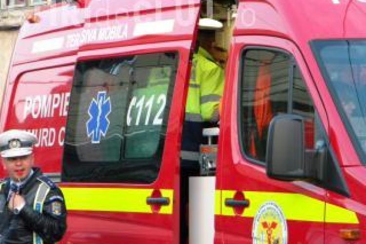 Accident in Stejeris, langa Turda! Trei persoane sunt ranite grav, dupa o depasire neregulamentara UPDATE - O femeie a decedat