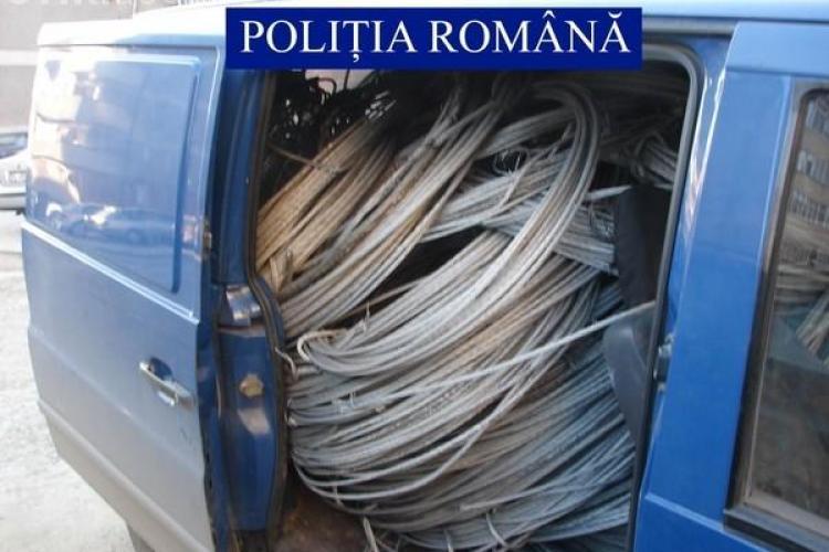 Patru barbati au furat cablul electric in valoare de 10.000 de lei