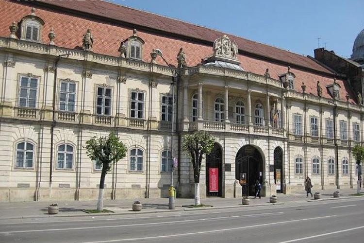 Elevii cu deficiente de vedere expun la Muzeul de Arta Cluj-Napoca