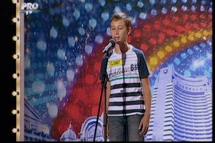 "ROMANII AU TALENT - Mihai Teaca, pustiul de 12 ani care a cantat superb ""O, sole mio"""