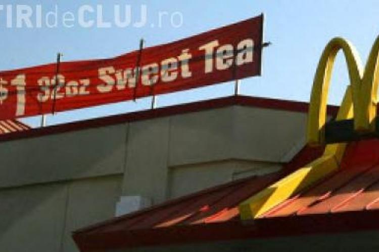 Angajat McDonald's, arestat pentru ca a scuipat in bauturile clientilor