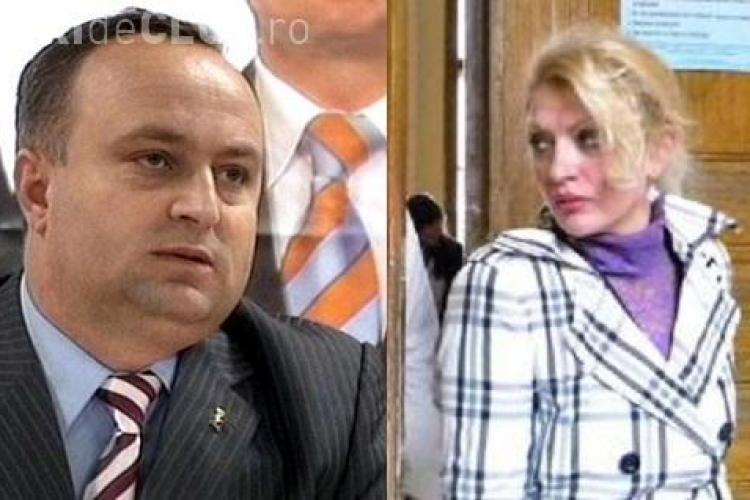 """Deputatul Petru Calian a trecut pe la Nana Club, dar a scapat basma curata! Facea un """"studiu de impact"""" la bordel"""