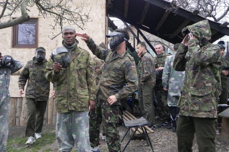 """Jucatorii U Cluj s-au inrolat in armata! Cum arata Adrian Cristea in uniforma de """"sniper"""" FOTO"""
