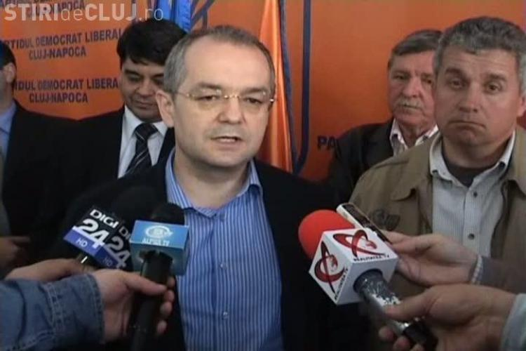 Boc, glumind despre candidatura la Primaria Cluj-Napoca: E pe aici prin sala candidatul. Obtinem cel putin 25% la locale VIDEO
