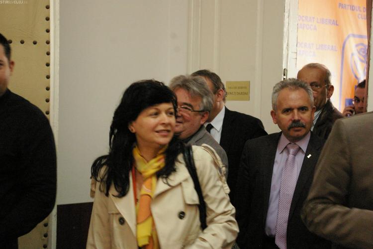 Prefectul Florin Stamatian a fost la sedinta de la PDL condusa de Emil Boc FOTO