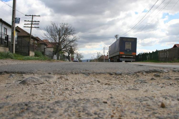 Intrebarea lui Uioreanu: De ce s-au oprit lucarile de modernizare a strazii Borhanci? FOTO