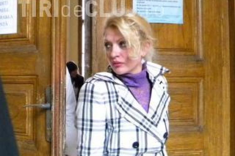 """Patroana de la Nana Cluj, condamnata la trei ani si opt luni de puscarie! Ea """"servea"""" minore politicienilor"""