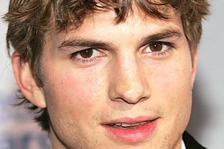Ashton Kutcher e implicat intr-o noua relatie! Cine a inlocuit-o pe Demi Moore