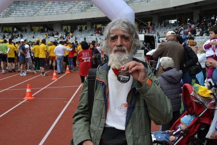 Alergator de 79 de ani la Maratonul International Cluj FOTO
