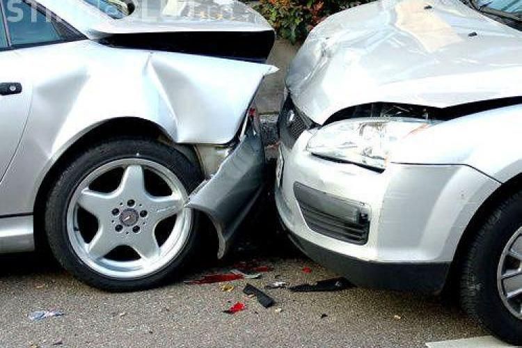 Accident pe strada Taietura Turcului! 2 persoane sunt ranite!