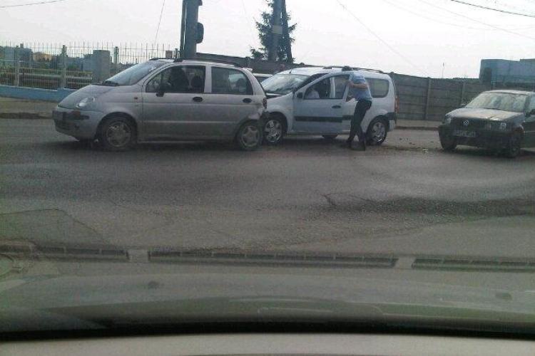 Accident pe strada Fabricii! Mai multe masini s-au ciocnit