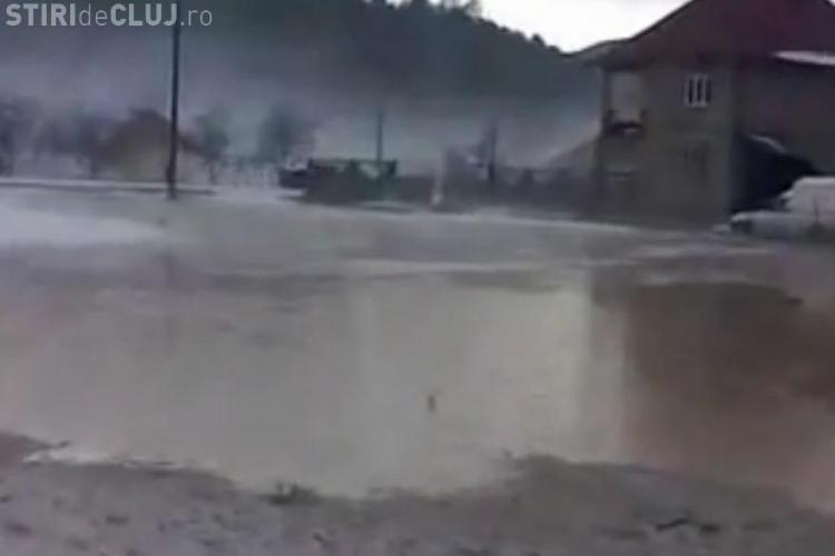 Inundatii la Negreni, in urma potopului de vineri dupa-masa! Gridina a fost cat nuca VIDEO
